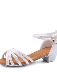 Недорогие -Девочки Танцевальная обувь Сатин Обувь для латины На каблуках Толстая каблук Персонализируемая Белый / Выступление / Кожа