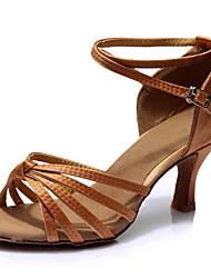 Недорогие -Жен. Танцевальная обувь Сатин Обувь для латины На каблуках Тонкий высокий каблук Персонализируемая Коричневый / Выступление