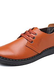 baratos -Homens Sapatos Confortáveis Couro Ecológico Outono Casual Oxfords Não escorregar Preto / Marron