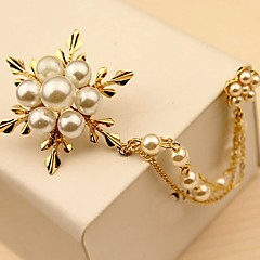 Women's Brooches Imitation Pearl Simple Elegant Pearl Alloy Flower Jewelry For Daily Ceremony