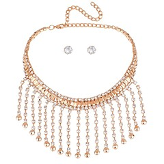 baratos Conjuntos de Bijuteria-Mulheres Conjunto de jóias - Clássico, Fashion Incluir Brincos Curtos Colar harness Dourado / Prata Para Cerimônia Festa de Noite