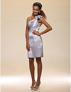 billiga Cocktailklänningar-Åtsmitande Enaxlad Knälång Satäng Gradering / Cocktailfest Klänning med Blomma Krusad Sidodraperad av TS Couture®