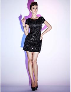 billige Paljettkjoler-Tube / kolonne Bateau Neck Kort / mini Paljetter Cocktailfest Ball Ferie 16-års dag Kjole med Perlearbeid av TS Couture®
