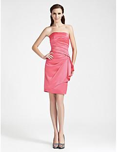 billige Romantisk rosa-Tube / kolonne Stroppeløs Knelang Sateng Brudepikekjole med Sidedrapering av LAN TING BRIDE®