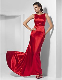 billiga Kändisklänningar-A-linje Prinsessa Bateau Neck Svepsläp Charmeuse Bal Formell kväll Klänning med Plisserat av TS Couture®