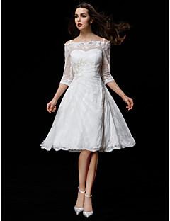billiga Brudklänningar-A-linje Off shoulder Knälång Spets Bröllopsklänningar tillverkade med Bård / Applikationsbroderi / Knapp av LAN TING BRIDE® / Illusion