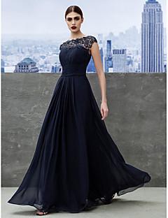 billiga Aftonklänningar-A-linje Båthals Golvlång Georgette Bal / Bröllopsfest Klänning med Veckad / Spetsinlägg av TS Couture® / Nyckelhål