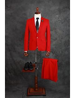 tanie Garnitury-Garnitury Dopasowana Otwate Jednorzędowa, jeden guzik Mieszanka bawełny Jendolity kolor 2 części Czerwony Patki proste Dwie plisy Czerwony