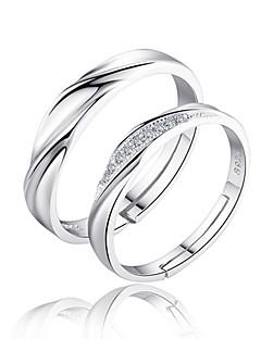 Erkek Kadın's Çift Yüzükleri Evlilik Yüzükleri Aşk Gelin Som Gümüş Zirkon Circle Shape Mücevher Uyumluluk Düğün Parti Günlük