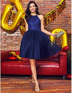 billiga Cocktailklänningar-Balklänning Halterneck Knälång Spets / Tyll Öppen rygg Cocktailfest / Bal Klänning med Bård / Spets av TS Couture®