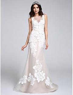 billiga Brudklänningar-Trumpet / sjöjungfru Bateau Neck Svepsläp Tyll / Blomsterspets Bröllopsklänningar tillverkade med Applikationsbroderi / Knapp av LAN TING