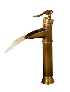 Starožitný Baterie na střed Vodopád Keramický ventil S jedním otvorem Single Handle jeden otvor Starožitný bronz , Koupelna Umyvadlová