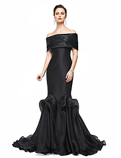 Mermaid / Trumpet Off-the-shoulder Floor Length Stretch Satin Formal Evening Dress with Pleats by TS Couture®