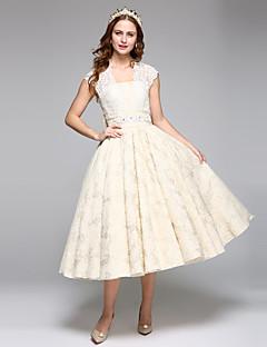 olcso -Báli ruha Szögletes Tea-hossz Csipke Szatén Esküvői ruha val vel Gyöngydíszítés Csipke Pántlika / szalag Csokor által LAN TING BRIDE®