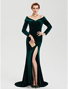 billige Kjoler i plusstørrelse-Tube / kolonne Løse skuldre Svøpeslep Fløyel Formell kveld Kjole med Splitt av TS Couture®