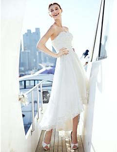 billiga A-linjeformade brudklänningar-A-linje Axelbandslös Asymmetrisk Tyll Bröllopsklänningar tillverkade med Bård / Applikationsbroderi / Bälte / band av LAN TING BRIDE® / Liten vit klänning