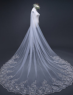 One-tier Lace Applique Edge Wedding Veil Chapel Veils Cathedral Veils With Embroidery Ruffles Ruched Tulle