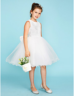 זול שמלות שושבינה-נשף צווארון עגול קצר באורך  הברך תחרה טול שמלה לשושבינות הצעירות  עם פפיון(ים) על ידי LAN TING BRIDE®
