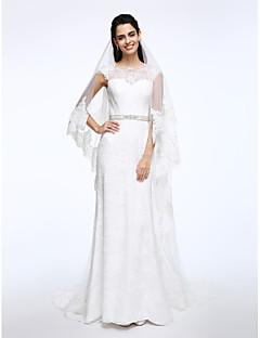 billiga Åtsmitande brudklänningar-Åtsmitande Bateau Neck Svepsläp Spets Bröllopsklänningar tillverkade med Bälte / band / Knapp av LAN TING BRIDE®
