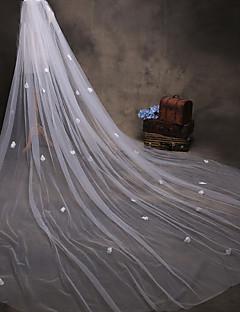 billiga Brudslöjor-Ett lager Modern Stil / Accessoarer / Blomstil Brudslöjor Rouge Slöjor / Kapell Slöjor med Pärlimitation / Kronblad / Kant Tyll / Ängelsnitt / Vattenfall / Spetskant