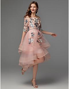 billige Mønstrede og ensfargede kjoler-A-linje Løse skuldre Asymmetrisk Sateng / Tyll Asymmetrisk lengde Kjole med Appliqué av TS Couture® / Cocktailfest