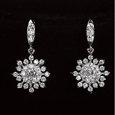 Graceful platineret Med Zircon Snowflake Shaped Kvinders Drop øreringe