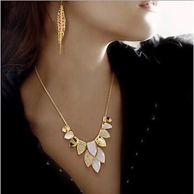 Női Nyaklánc medálok Nyilatkozat nyakláncok utánzat Diamond Ötvözet nyilatkozat ékszerek Menyasszonyi Arany Ékszerek Esküvő