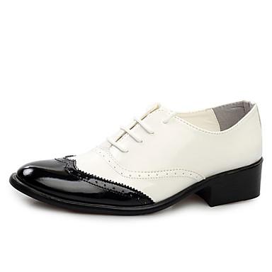 Homens Sapatos formais Couro Envernizado Primavera / Verão Formais Oxfords Caminhada Preto / Amarelo / Vermelho / Casamento / Festas & Noite / Sapatos de vestir