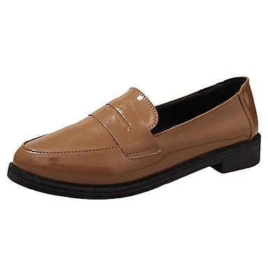 Női PU Nyár Kényelmes Lapos Lapos Erősített lábujj Fekete / Barna / Burgundi vörös