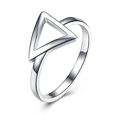 billige Motering-Dame Band Ring Sølv Sølv Trekant Luksus Klassisk Enkel Stil Bryllup Fest Smykker Kjærlighed