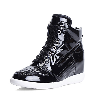 Mulheres Sapatos Couro Ecológico Verão Conforto Sandálias Sem Salto Dourado / Preto / Prata