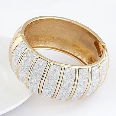 abordables Bracelet-Bracelet Jonc Femme poussière d'étoiles dames Rétro Vintage Mode énorme Bracelet Bijoux Dorée Argent Forme de Cercle Forme Géométrique pour Soirée Cadeau