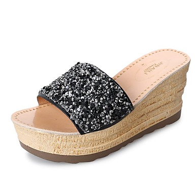 בגדי ריקוד נשים נעליים PU אביב / סתיו נוחות כפכפים & כפכפים עקב טריז שחור / כסף
