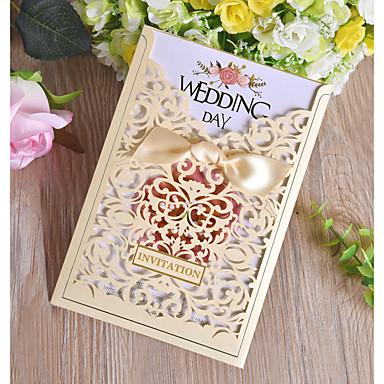 """billige Bryllupsinvitasjoner-Side Fold Bryllupsinvitasjoner 50stk - Invitasjonskort Perle-papir 7 1/2 """"×6 1/4"""" (19*13.5cm)"""