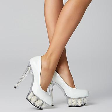 billige Skulpturelle hæler-Dame Høye hæler Stiletthæl / Plattform Ruched Lakklær Club Sko / Lucite Heel Vår / Sommer Svart / Hvit / Rød / Bryllup / Fest / aften / Formell / Fest / aften