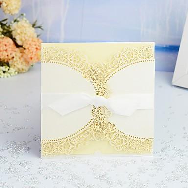 """رخيصةأون دعوات الزفاف-ملفي دعوات الزفاف عدد 30 من القطع - بطاقات الدعوة / بطاقات الشكر / بطاقات استجابة نمط فني / ستايل حديث / الأزهار ستايل أوراق لؤلؤة 6""""×6"""" (15*15cm) Satin Bow / شريط و شاح"""