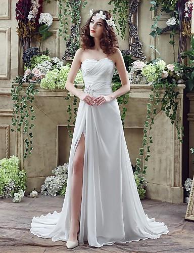 A-vonalú Menyasszonyi ruha Udvari uszály Szív alakú Sifon val vel Gyöngydíszítés / Cakkos