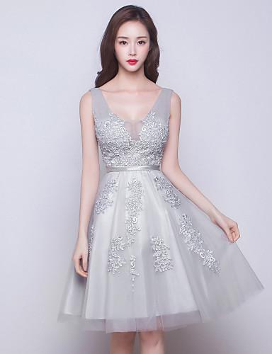 볼 드레스 V 넥 무릎 길이 튤 신부 들러리 드레스 와 레이스 으로 CHQY