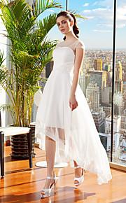 Trapèze Illusion Neckline Asymétrique Mousseline de soie Robes de mariée personnalisées avec Ceinture / Ruban Fleur par LAN TING BRIDE®