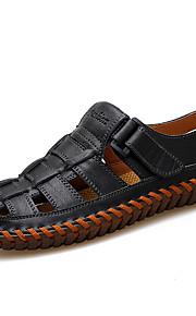 Miesten Comfort-kengät Nahka Kevät kesä Englantilainen / Preppy-tyyli Sandaalit Hengittävä Musta / Ruskea / Khaki