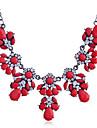 Dame Coliere cu Pandativ Coliere Cristal Ștras imitație de diamant Aliaj La modă Alb Negru Fucsia Rosu Bijuterii Zilnic 1 buc